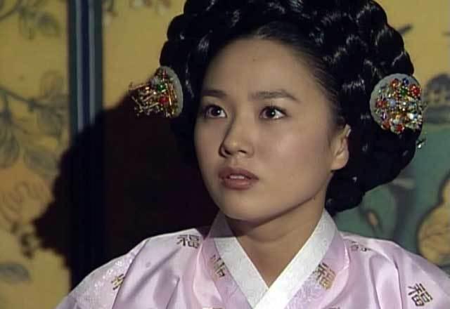 ホジュン・恭嬪(パク・チュミ)